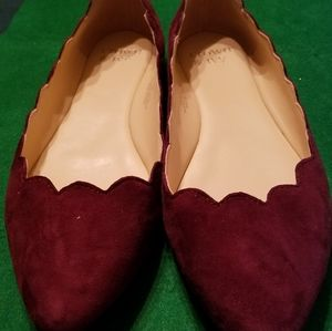 Crown & Ivy Scalloped Flats